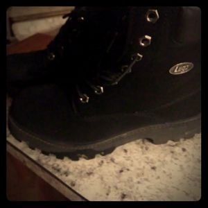 Boys Youth size 6.5 Lugz boots